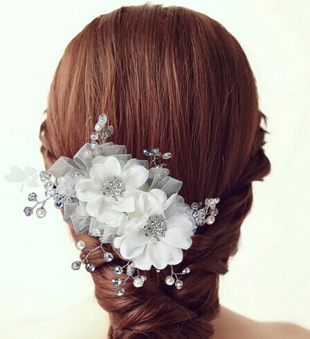 新娘头饰头纱的多样选择