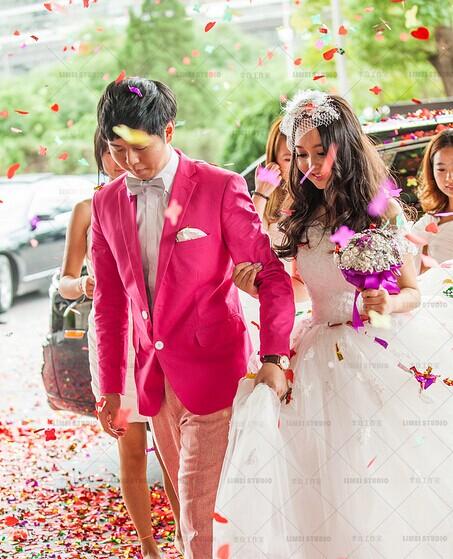 婚礼现场 婚礼散花有技巧