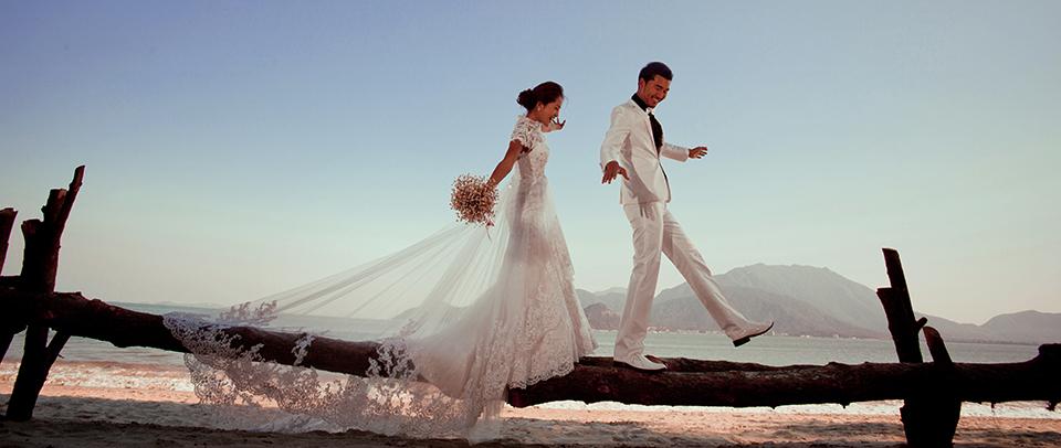 厦门婚纱摄影工作室哪家好,新人们应该综合考虑他各方面的条件再决定