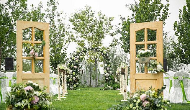 最受新人喜爱的草坪婚礼流程