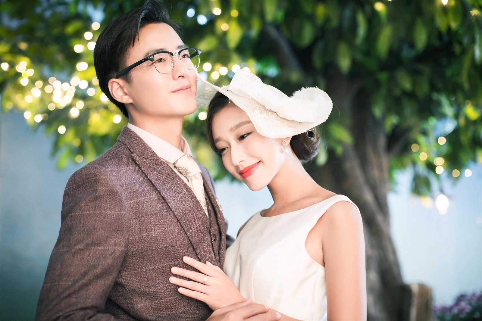 将要结婚的新人们,你们的结婚请柬怎么写的?