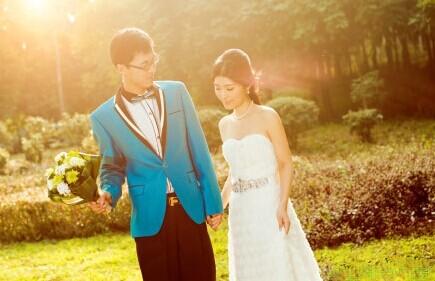 情侣风格婚纱照:婚纱照搭配技巧