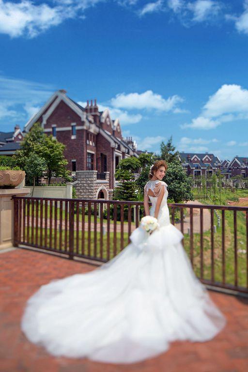 圣洁的白色婚纱,打造雅致新娘