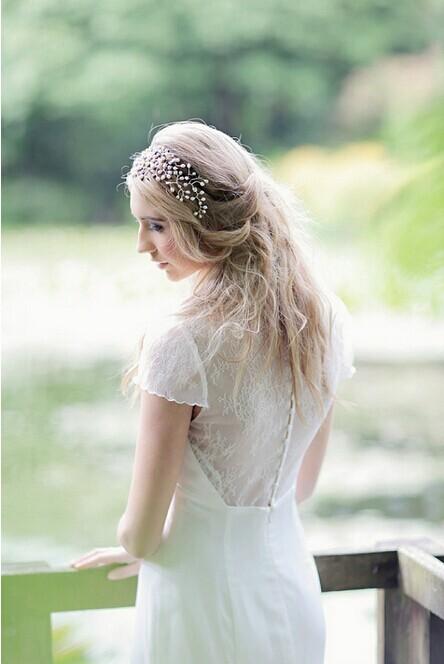 9款适合秋冬婚礼的新娘发型,美啦美啦