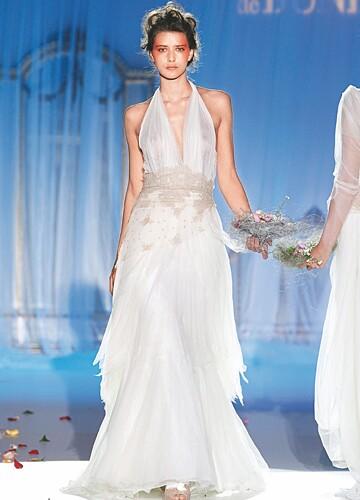 介绍几款合适海滩婚礼的婚纱 婚礼猫