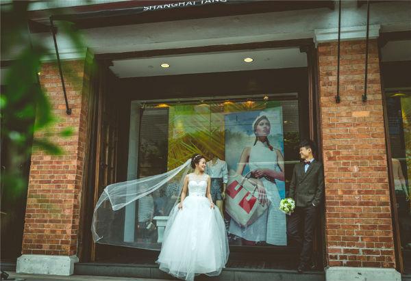 旅拍婚纱照怎么拍好看?旅拍好看又好玩技巧
