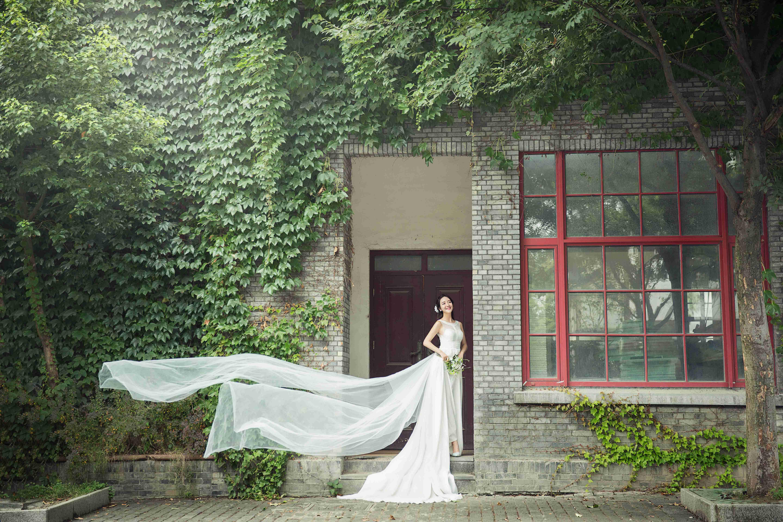 草坪婚礼,简单而有仪式的幸福