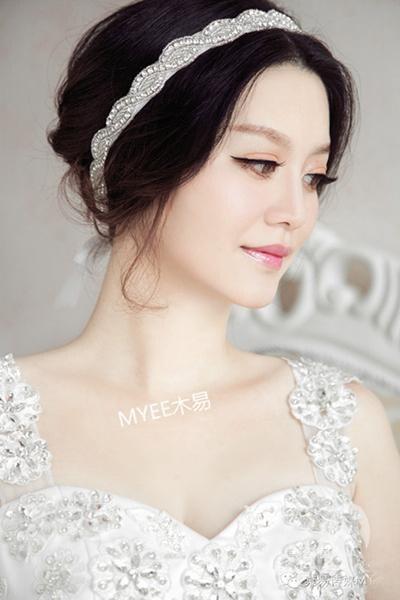 婚礼上新娘除了头纱还能戴什么?