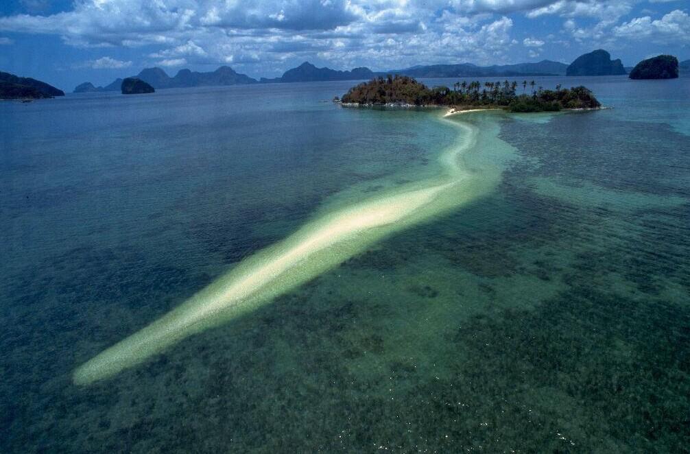 巴拉望群岛的爱尼岛 适合蜜月旅行的沙滩