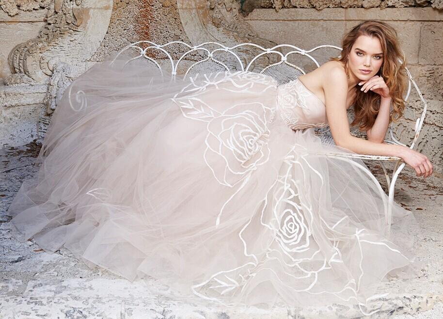 最新2015新娘婚纱礼服 梦想中最美的嫁衣