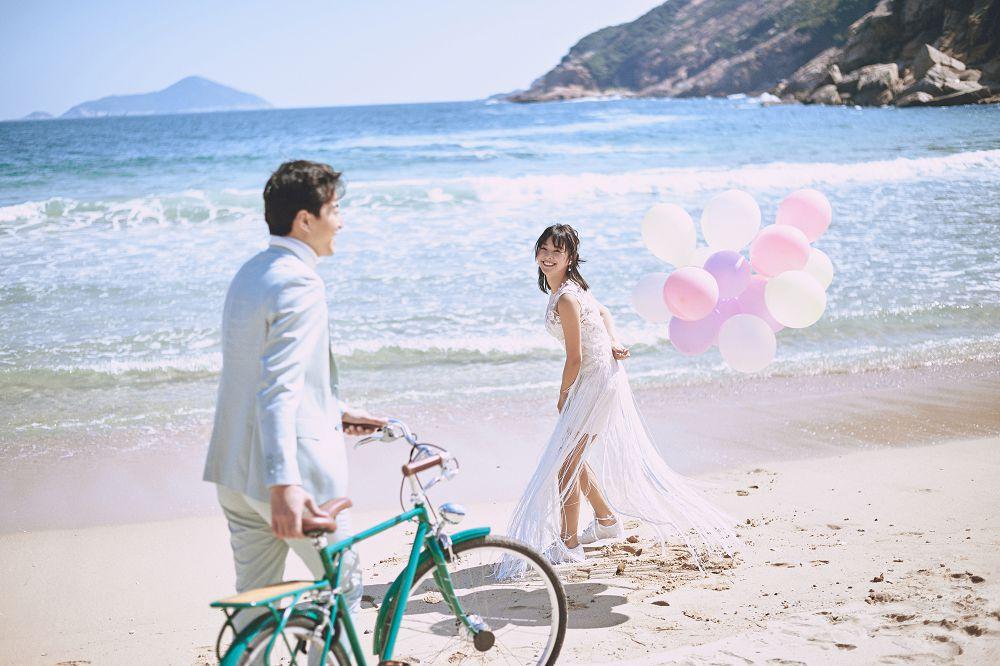 创意婚纱照与帆布鞋混搭,帆布鞋的小浪漫
