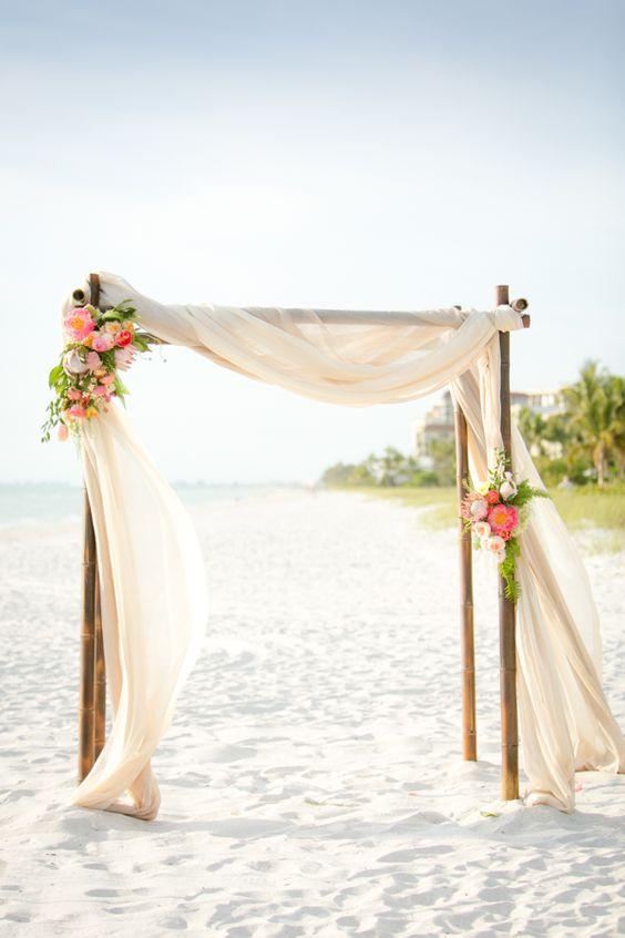 海边婚礼拱门设计,越简单越浪漫