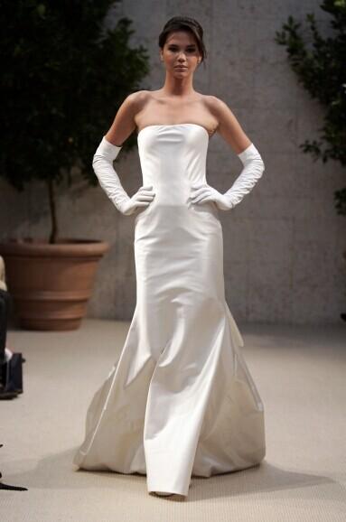 娇小新娘怎么穿婚纱最合适自己
