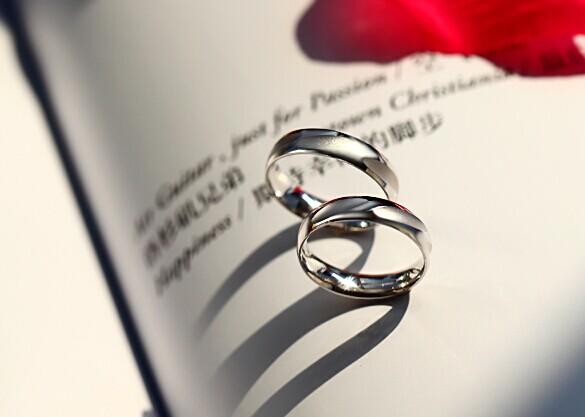 简约钻戒打造浪漫唯美新娘 属于你我的克拉爱情 婚礼猫