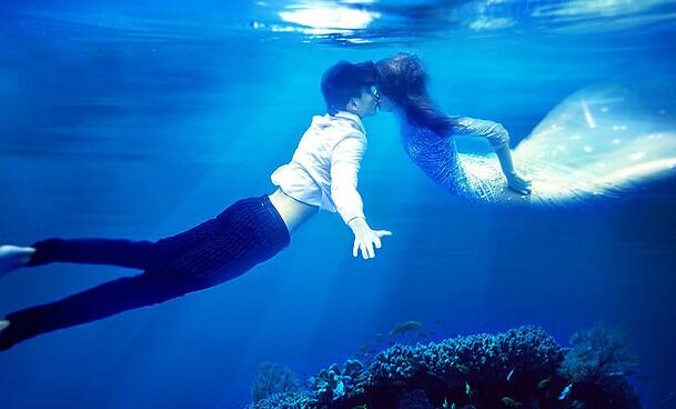 拍摄水下婚纱照掀起新的一股潮流风 婚礼猫