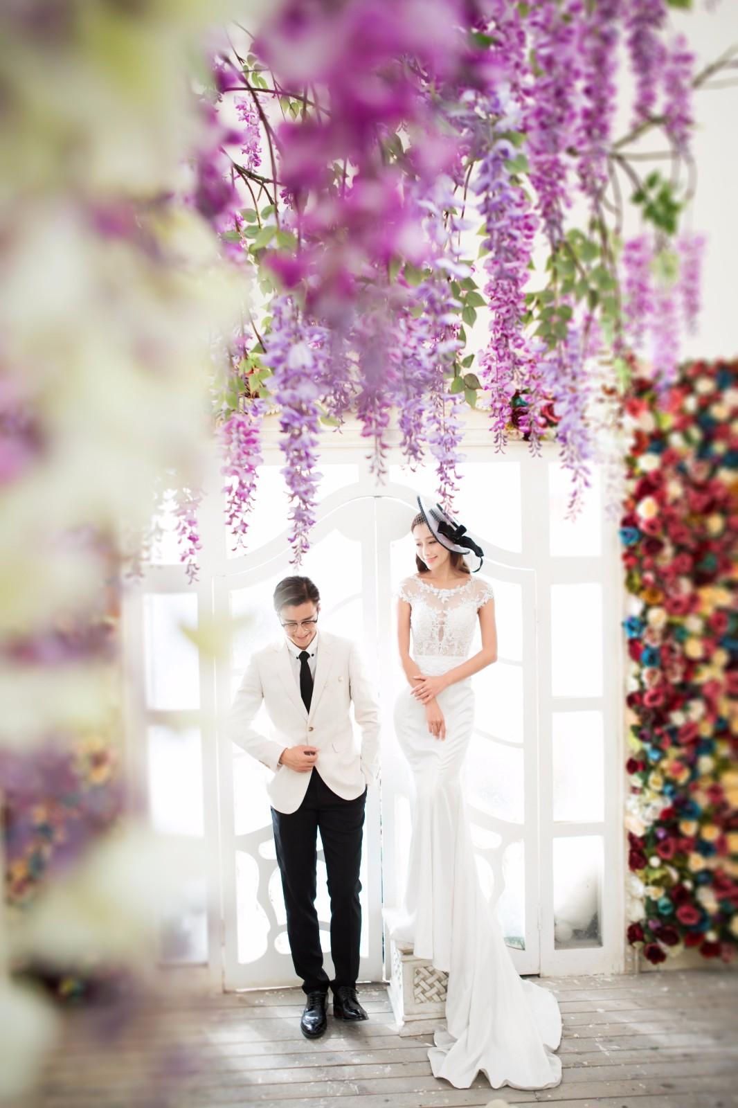 拍婚纱照的姿势与表情,哪个重要一些呢?