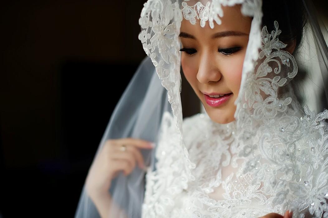 新娘不脱妆五部曲 婚礼当天新娘怎么防脱妆