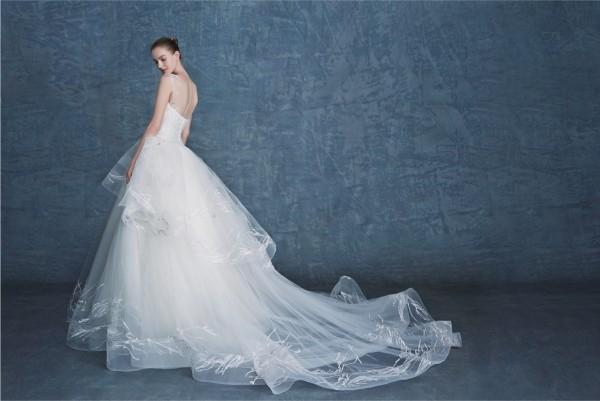 灵感来源于自然草木的婚纱,岂一个美字了得!
