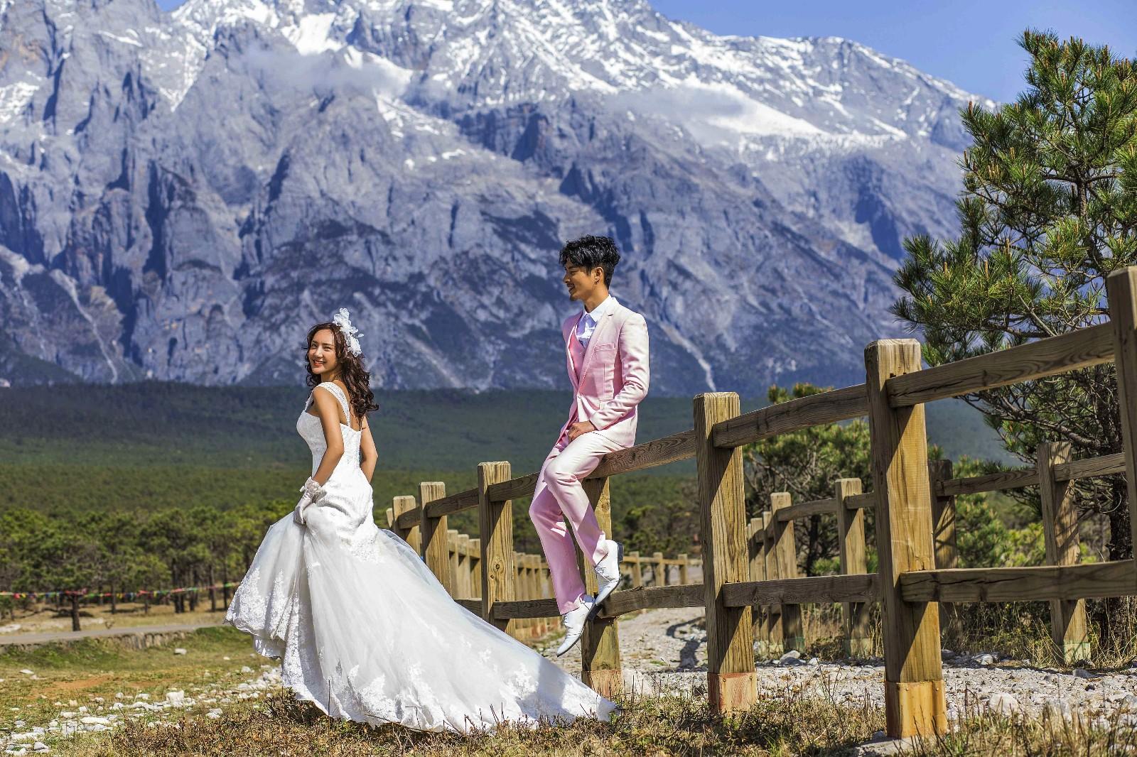 掌握玉溪婚纱照姿势和表情,拍出自然婚纱大片