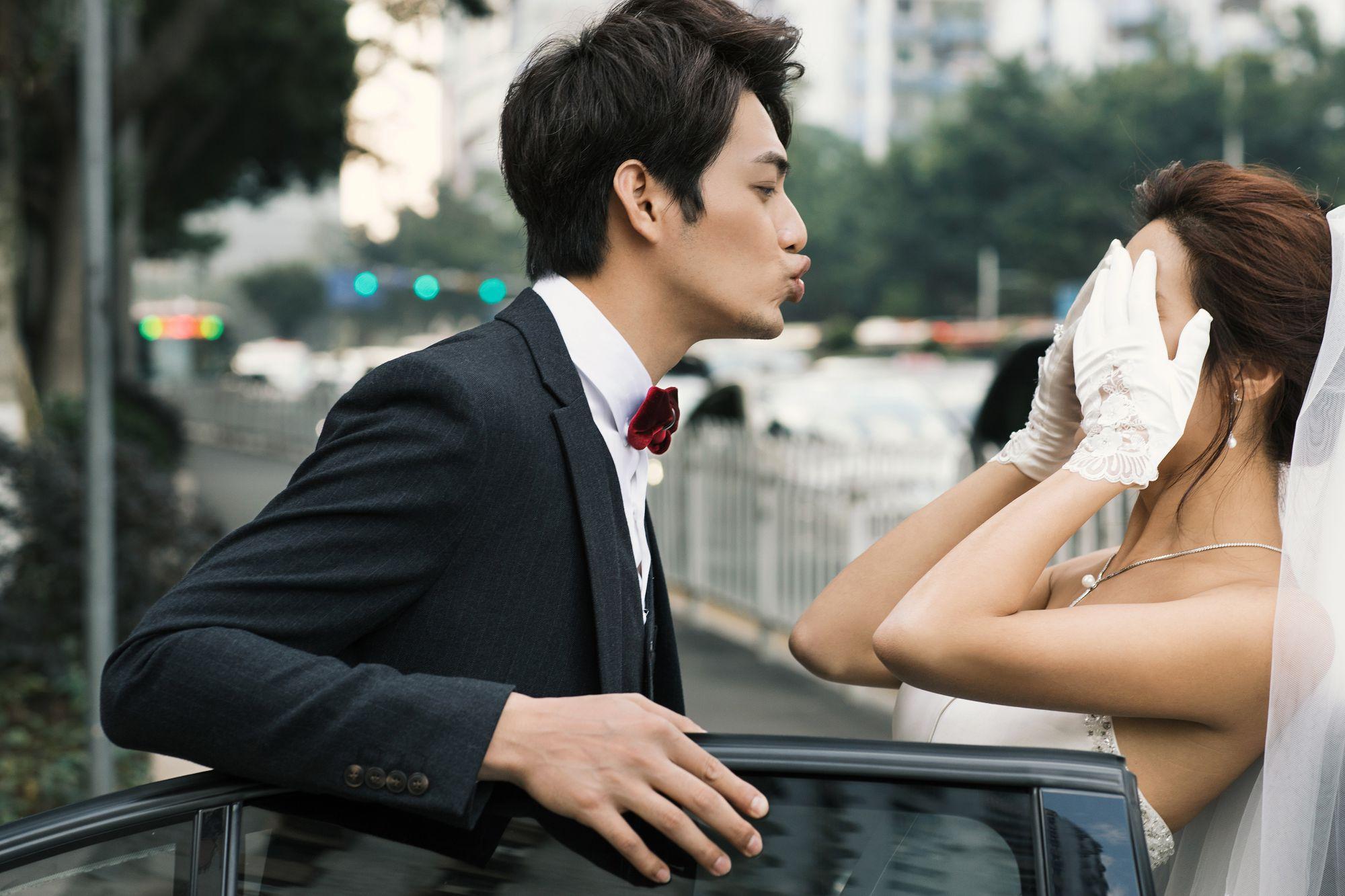 结婚应该先领证还是先办婚礼呢?先结婚后领证意味着什么?