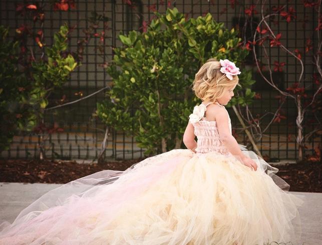 如何搞定婚礼花童的穿搭?独家揭秘!