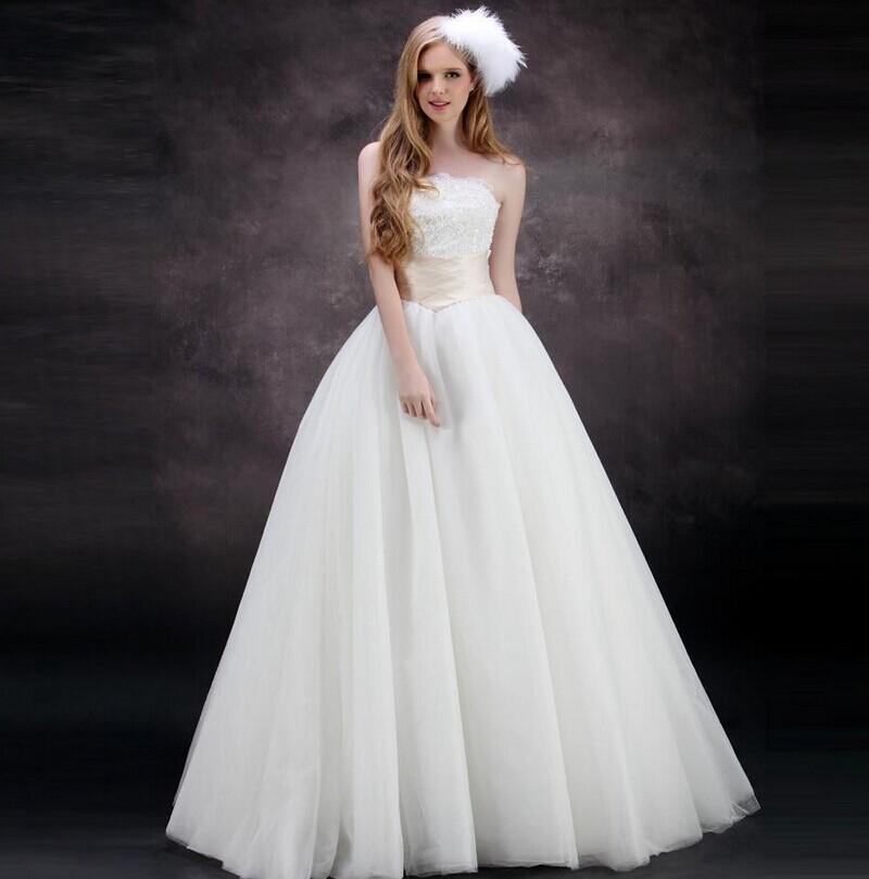 新娘婚礼上的优雅步伐 矫正新娘走姿