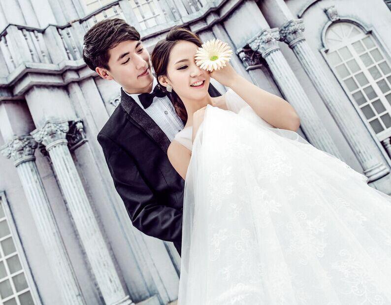 拍摄婚纱照上镜的绝招 学好poss拍出最美婚纱照