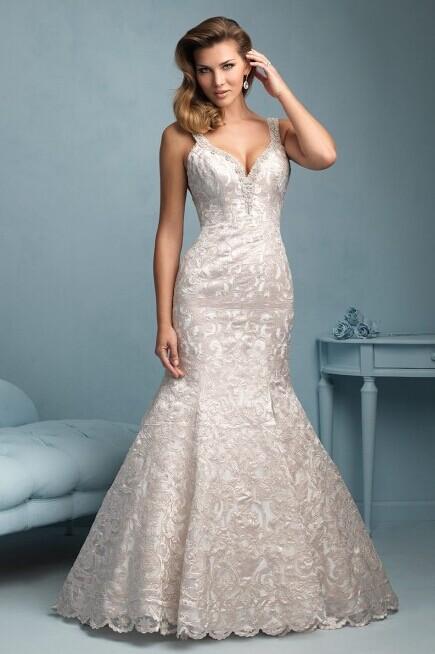 丰满准新人选婚纱的妙招 巧选婚纱的结婚攻略
