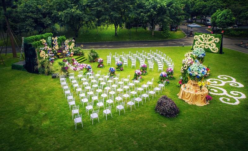 草坪婚礼流程 户外婚礼遇到的问题及解决方案