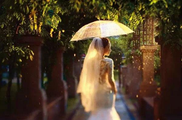 婚礼猫广州婚纱摄影技巧:利用五彩光斑制造气氛