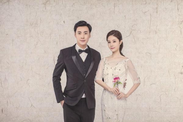 复古中国风婚纱照拍摄新人如何挑选服装?