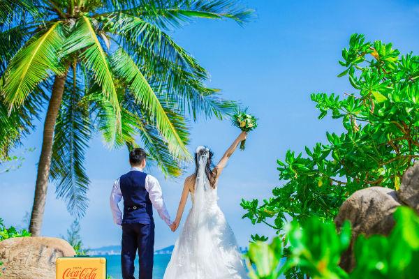 新娘头纱如何搭配才好看?三亚婚纱照技巧